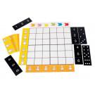 Le grand tableau à double entrée peut être divisé en 4 tableaux de 9 cases pour des activités individuelles. Il est accompagné de 16 fiches consignes pour la reconnaissance des couleurs, des tailles, des positions et des constellations des nombres.